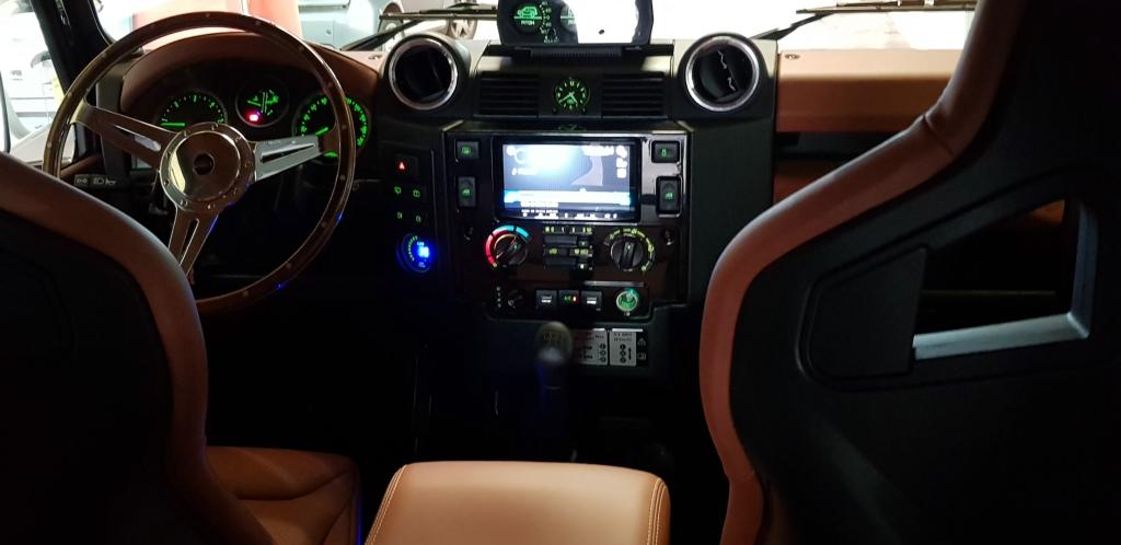 interior-4x4-003